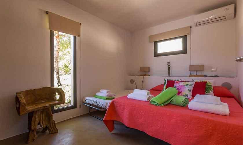 Schlafzimmer Ferienhaus Ibiza IBZ 16