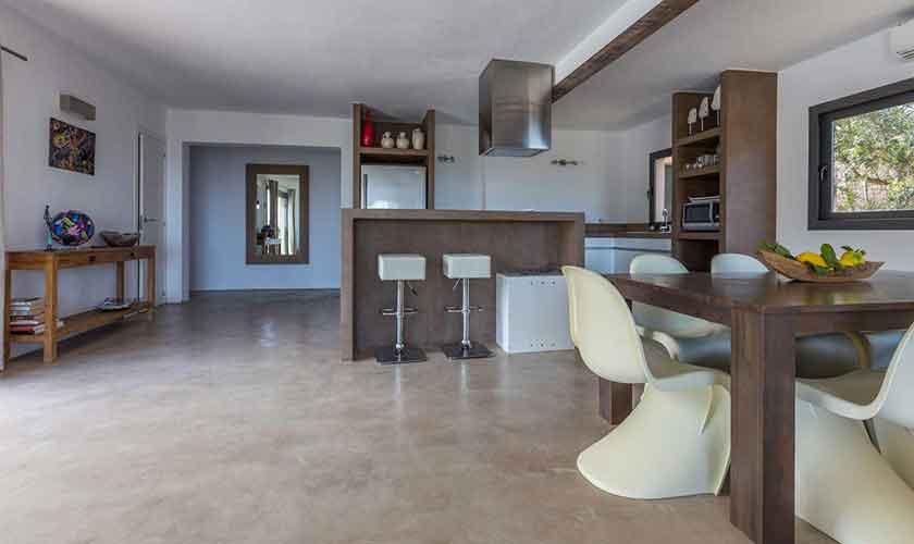 Esstisch und Küche Ferienhaus Ibiza IBZ 16