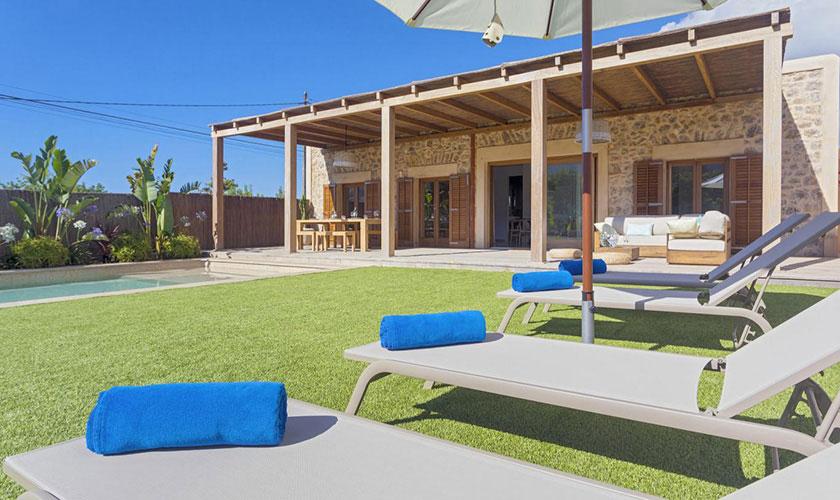 Garten und Liegen Ferienhaus Ibiza IBZ 22