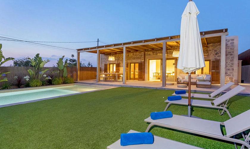 Pool und Liegen Ferienhaus Ibiza IBZ 22