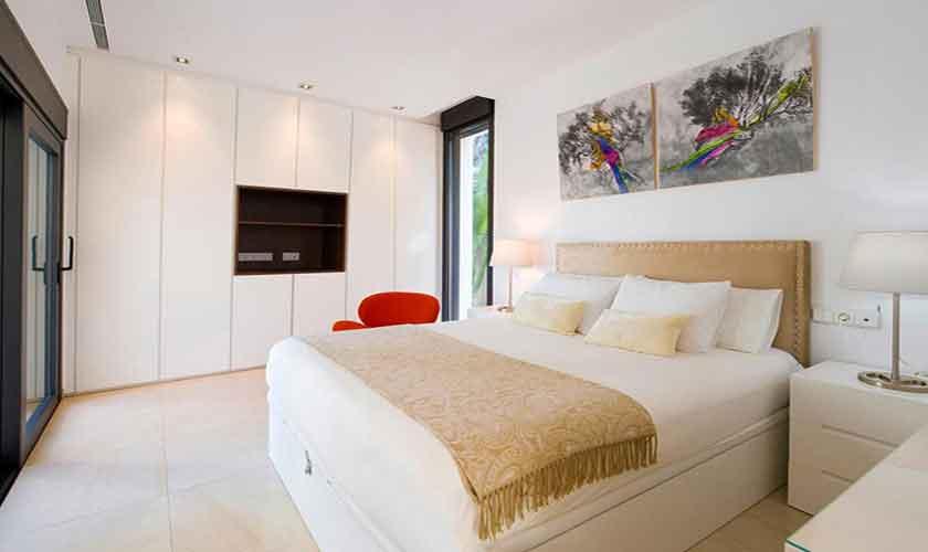 Schlafzimmer Ferienvilla Ibiza IBZ 33