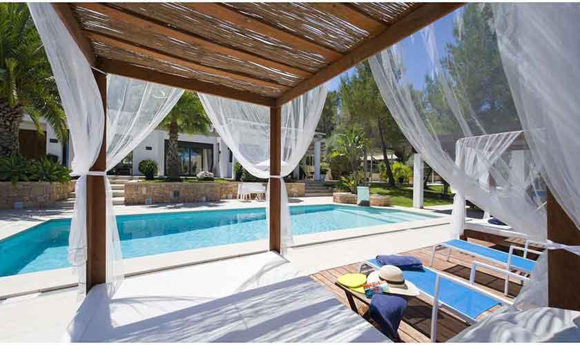 Terrasse und Pool Ferienvilla Ibiza IBZ 33