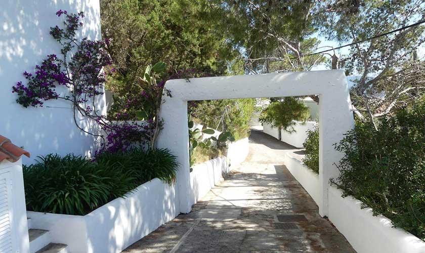 Garteneingang Villa Ibiza IBZ 34