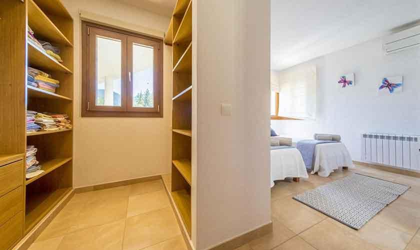 Schlafzimmer Ferienhaus Ibiza IBZ 37