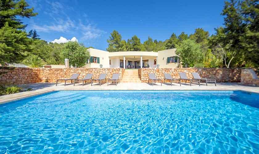 Pool und Ferienhaus Ibiza IBZ 37