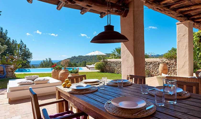 Terrassse mit Esstisch Finca Ibiza IBZ 38