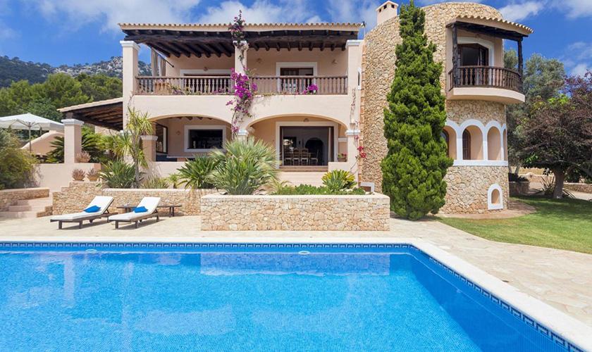 Pool und Ferienvilla Ibiza IBZ 39