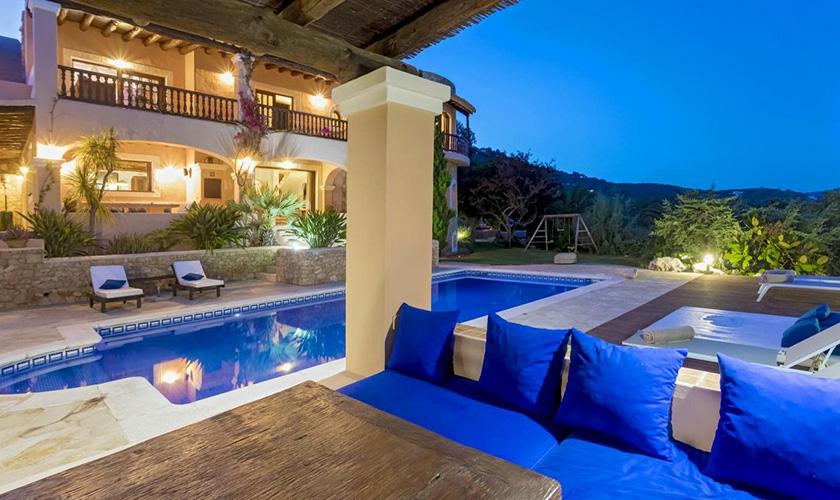 Pool und Villa bei Nacht Villa Ibiza IBZ 39