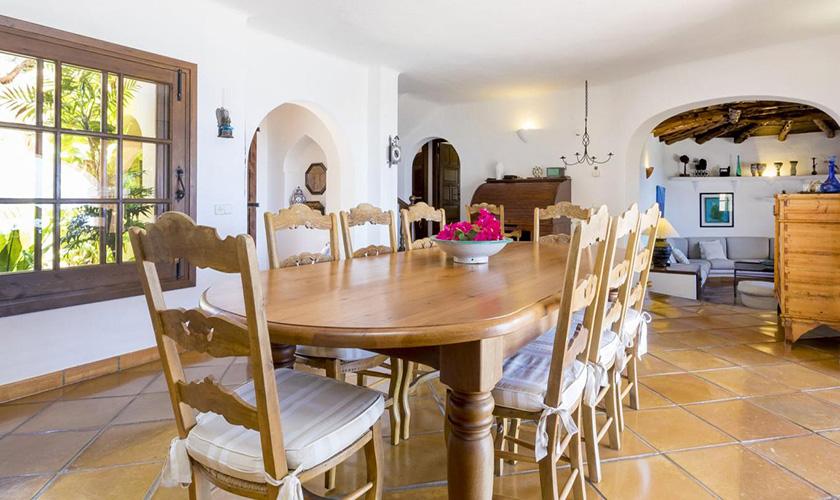 Esstisch und Wohnraum Villa Ibiza IBZ 39
