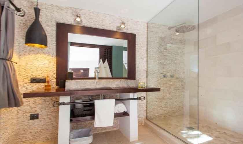 Badezimmer Ferienfinca Ibiza 8 Personen IBZ 40