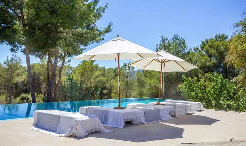 Terrasse und Liegen Ferienhaus Ibiza IBZ 45