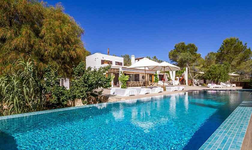 Pool und Ferienhaus Ibiza IBZ 45