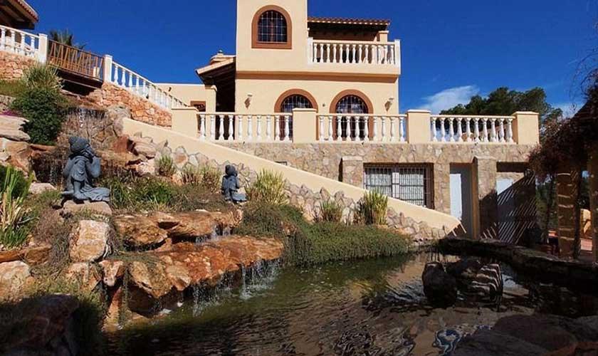 Villa und Fischteich Villa Ibiza IBZ 60