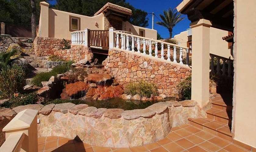 Treppe zum Fischteich Villa Ibiza IBZ 60