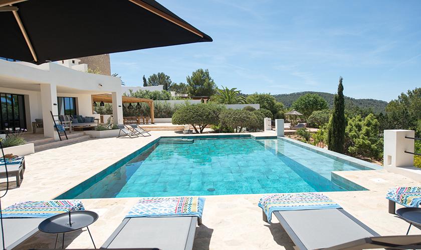 Pool und Ferienvilla Ibiza für 10 Personen IBZ 77