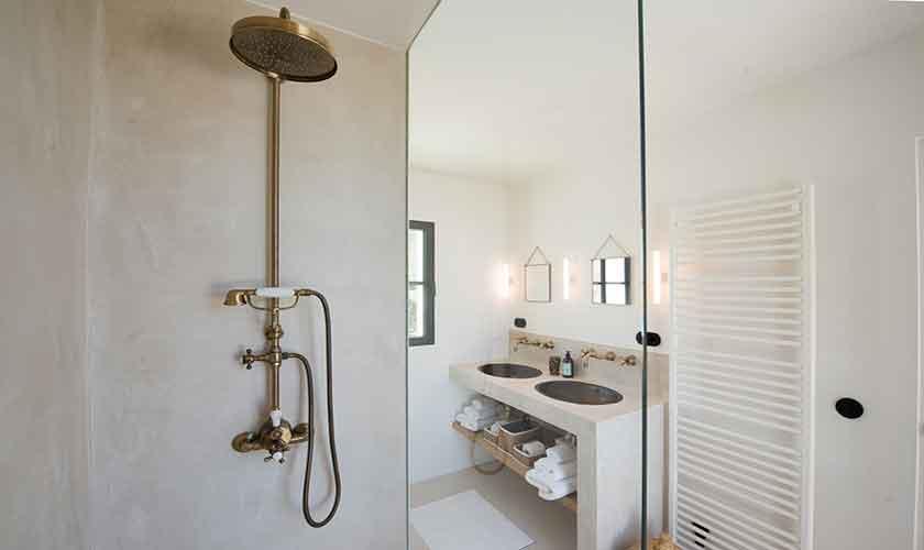 Badezimmer Ferienvilla Ibiza für 10 Personen IBZ 77