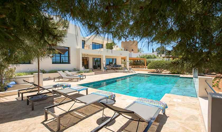 Terrasse und Ferienvilla Ibiza für 10 Personen IBZ 77