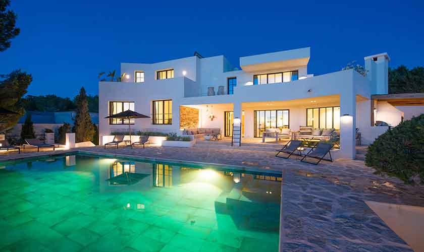 Poolblick und Ferienvilla Ibiza für 10 Personen IBZ 77