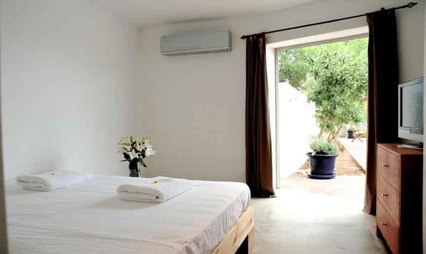 Schlafzimmer Ferienvilla Ibiza IBZ 81
