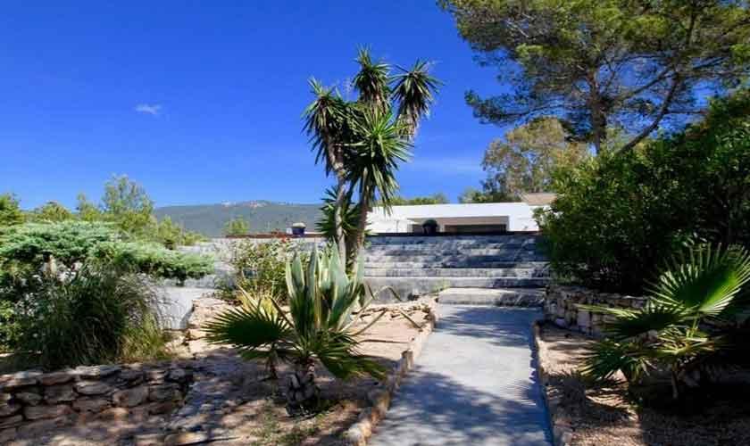 Blick auf die Ferienvilla Ibiza IBZ 81