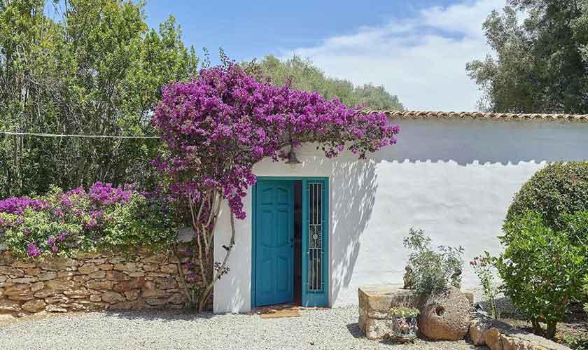 Blick auf die Ferienvilla Ibiza IBZ 86