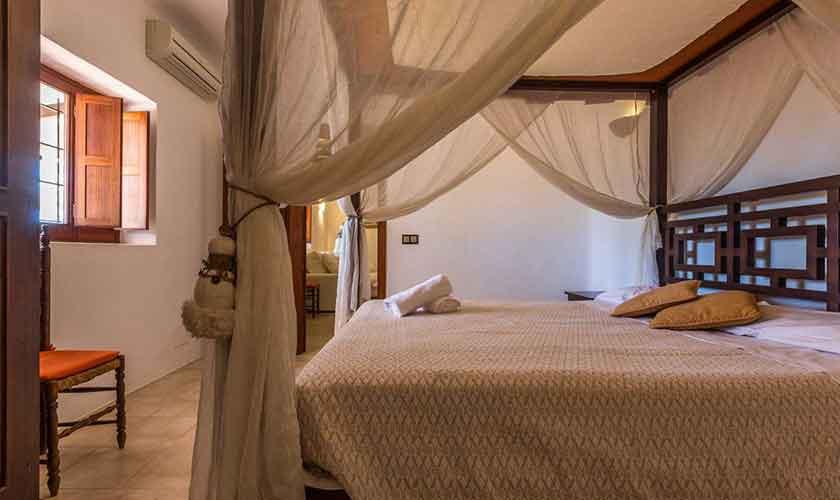 Schlafzimmer Finca Ibiza IBZ 88