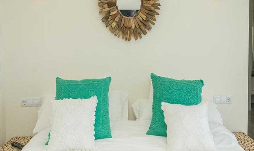 Schlafzimmer Ferienvilla Ibiza IBZ 89