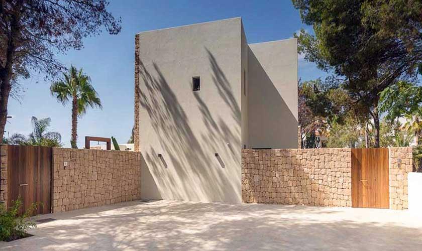 Blick auf die Villa am Strand Ibiza IBZ 90