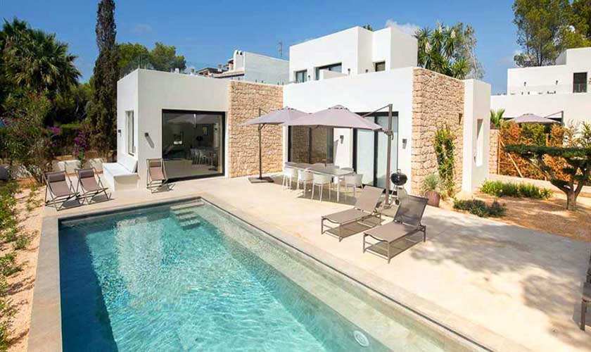 Pool und Terrasse Villa am Strand Ibiza IBZ 90