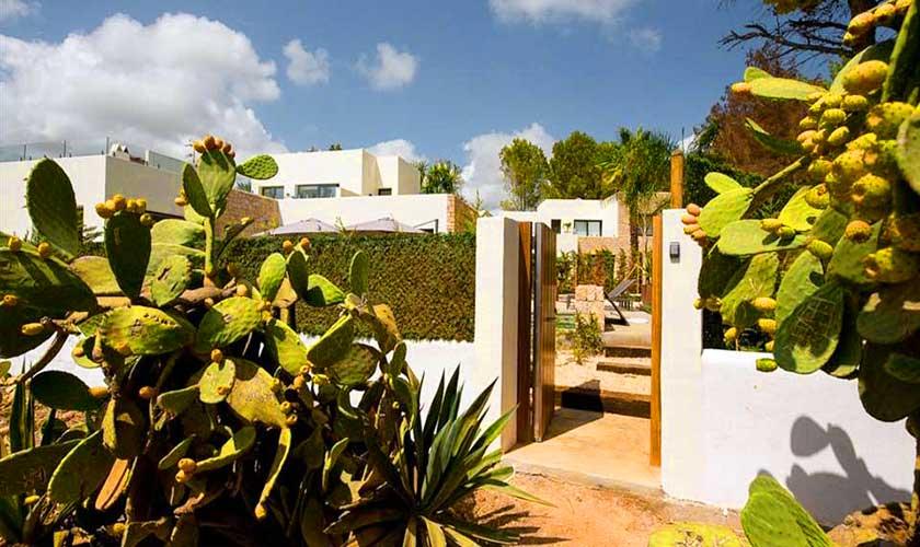 Eingang Villa am Strand Ibiza IBZ 90