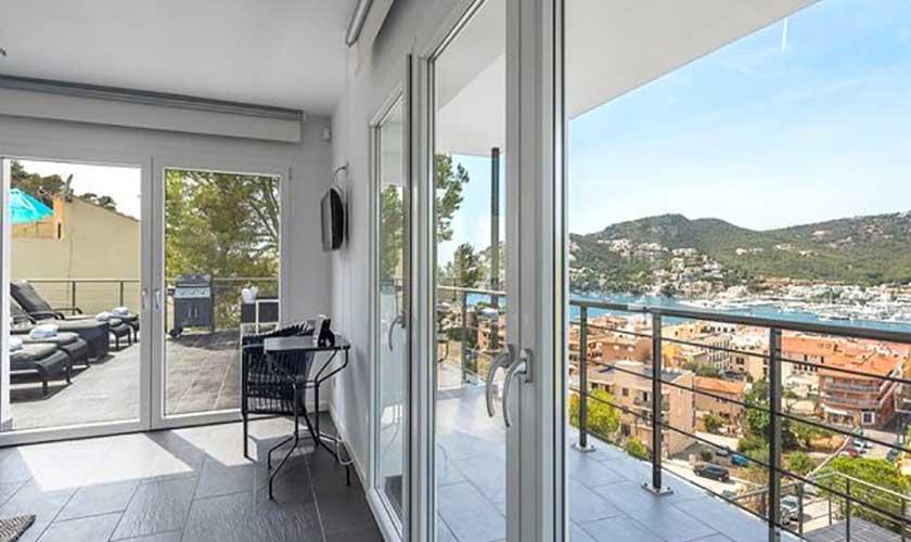 Schlafzimmer und Blick Luxusvilla Andratx PM 110