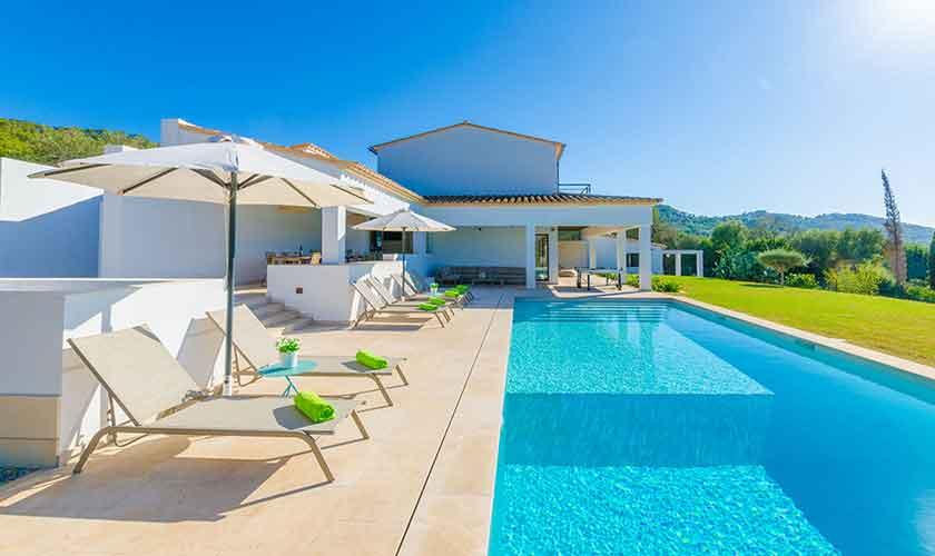 Pool und Terrasse Ferienvilla Mallorca 12 Personen PM 115
