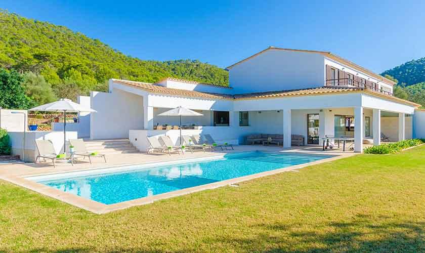 Poolblick und Ferienvilla Mallorca 12 Personen PM 115