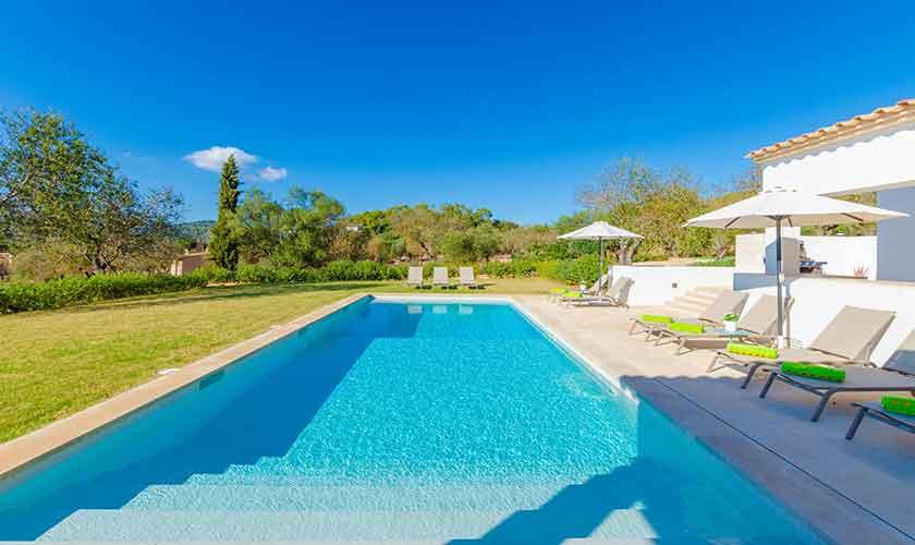 Poolblick Ferienvilla Mallorca 12 Personen PM 115