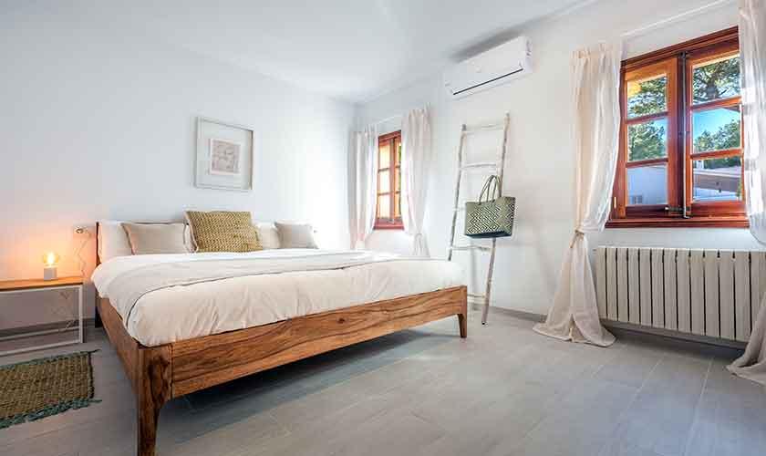 Schlafzimmer Ferienvilla Mallorca PM 230