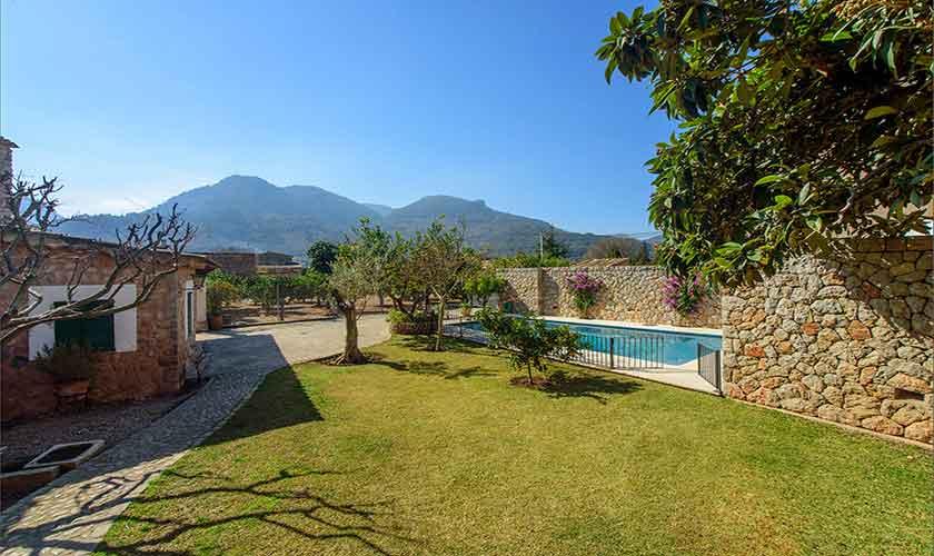 Rasen und Pool Finca Mallorca PM 235