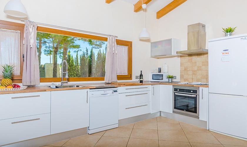 Küche Finca Mallorca für 6 Personen PM 3015