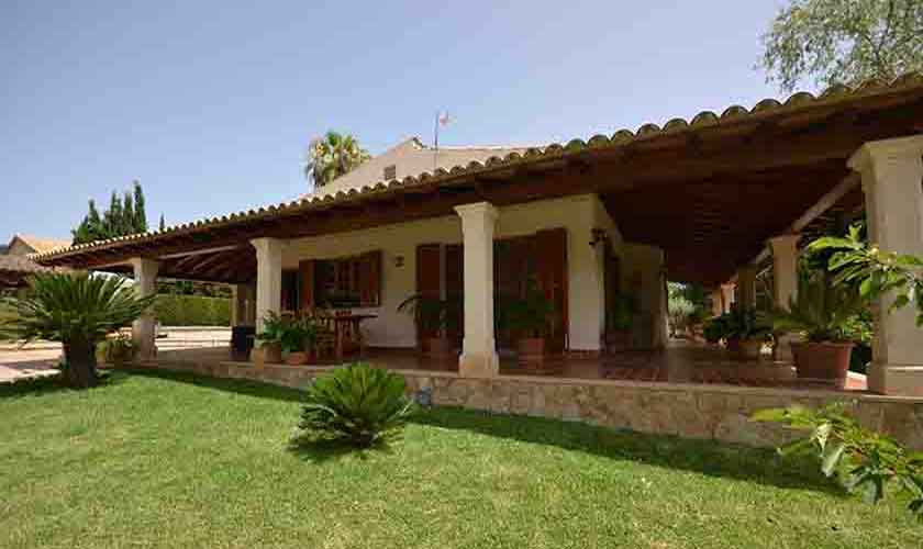 Rasenflächen Finca Mallorca mit Pool PM 3070
