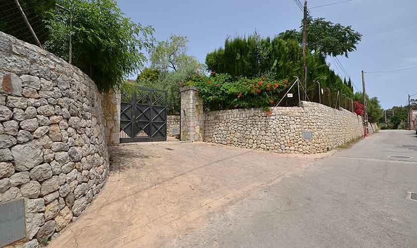 Zufahrt Finca Mallorca mit Pool PM 3070