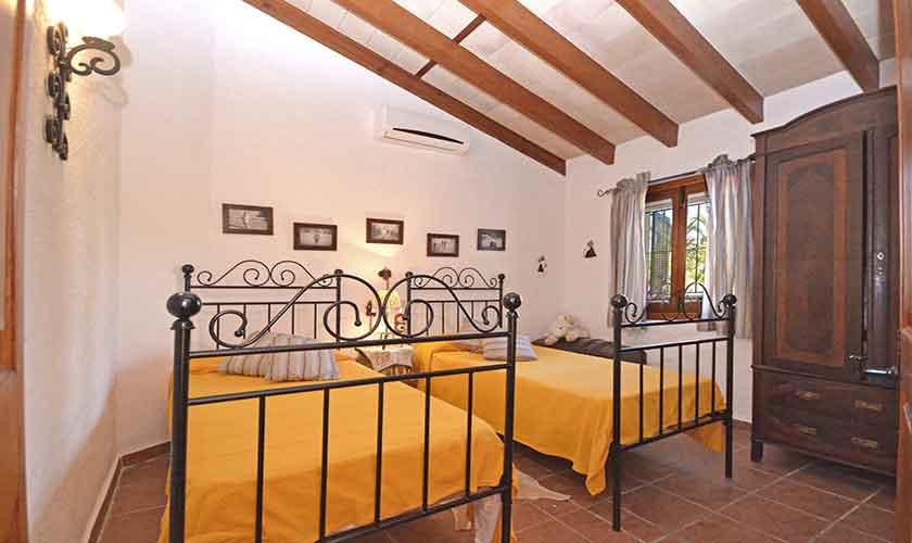 Schlafzimmer Finca Mallorca Norden PM 3126