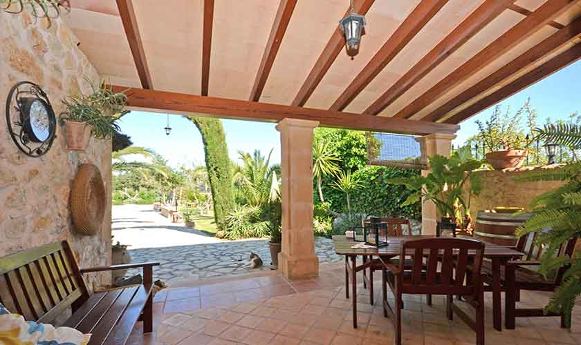 Überdache Terrasse Finca Mallorca Norden PM 3126