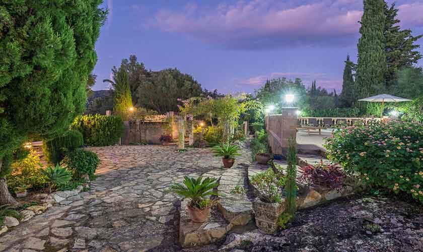 Garten beleuchtet Finca Mallorca Norden PM 3150