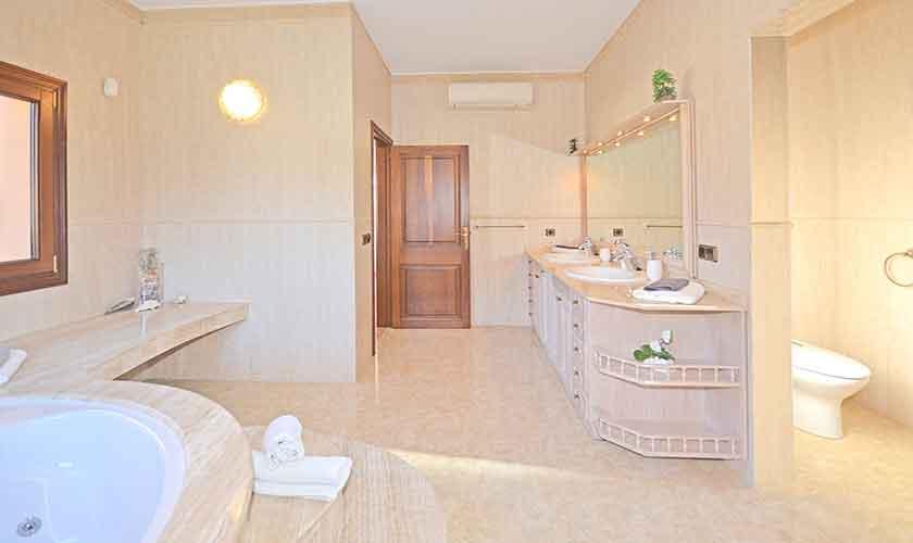 Badezimmer Ferienhaus Mallorca Norden PM 3222