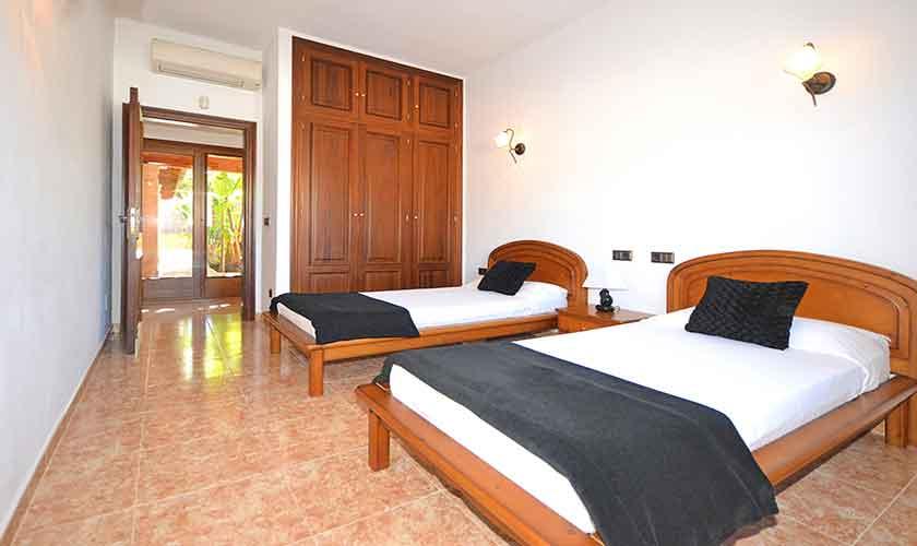 Schlafzimmer Ferienhaus Mallorca Norden PM 3222