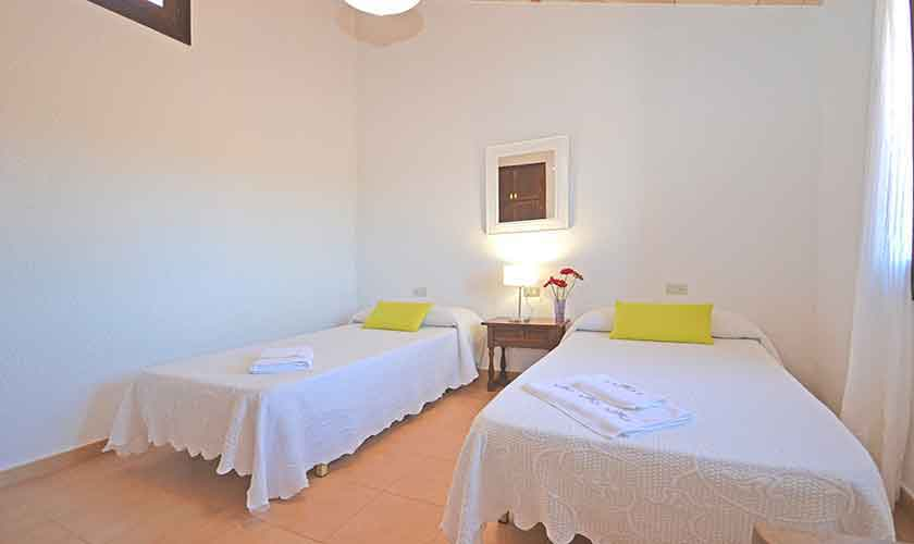 Schlafzimmer Finca Mallorca PM 3224