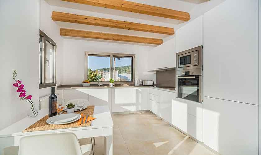 Küche oben Ferienhaus Mallorca PM 3327