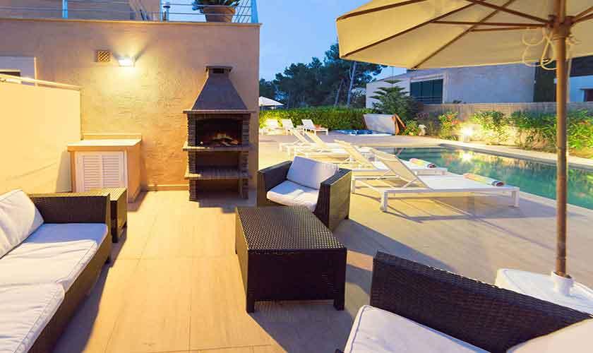 Loungebereich Terrasse Ferienvilla Mallorca Norden PM 3410