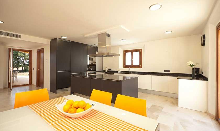 Küche und Essplatz Finca Mallorca PM 3501