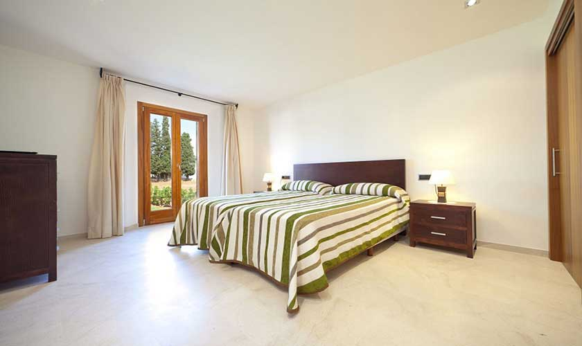 Schlafzimmer Finca Mallorca PM 3501