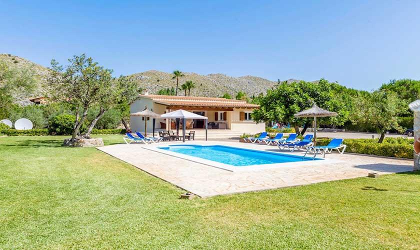 Pool und Rasenfläche Finca Mallorca PM 3504